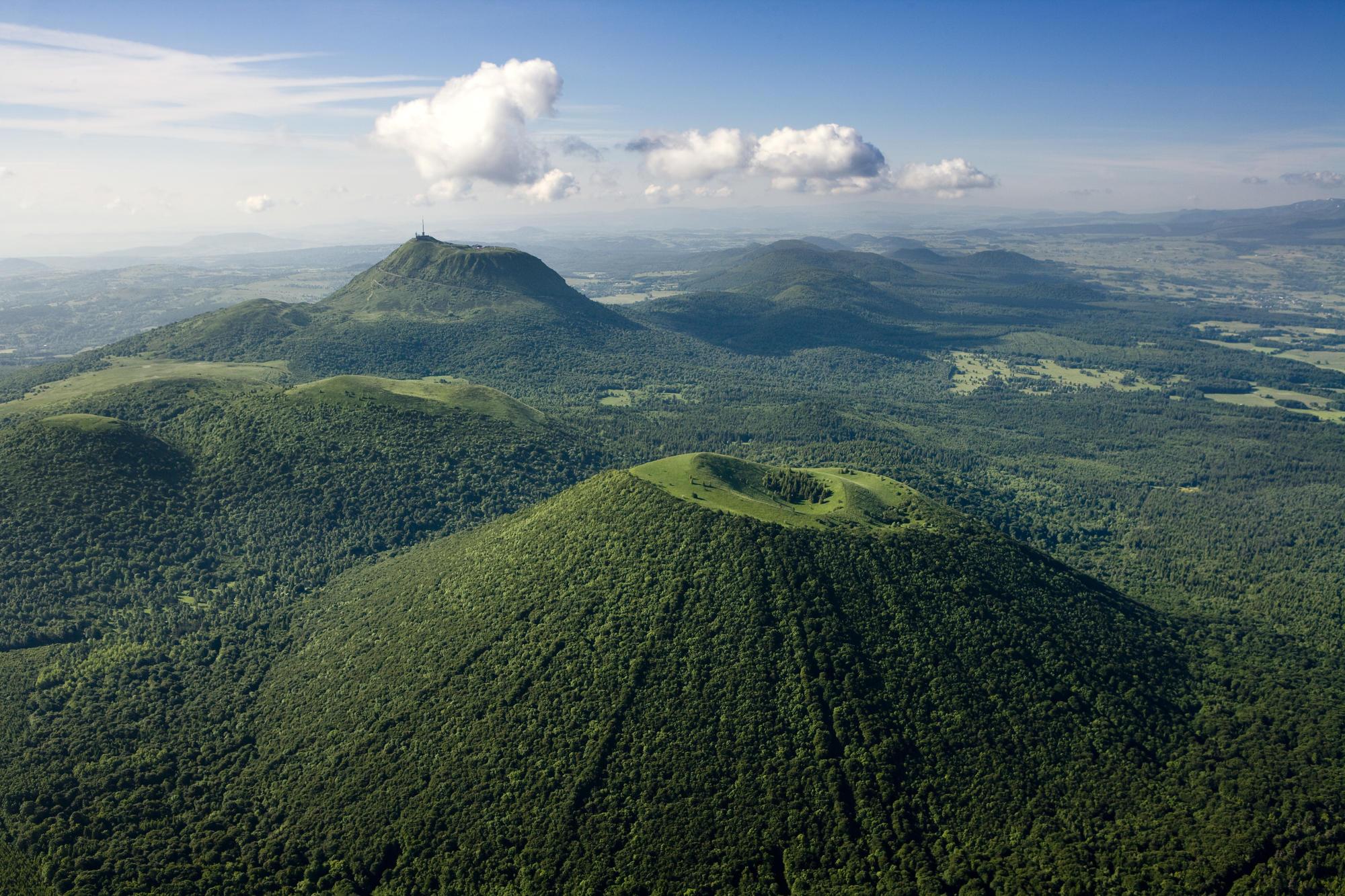 e4615a6d454  La Chaîne des Puys (Auvergne s Volcanoes) and the Limagne Fault included  on the Unesco World Heritage list